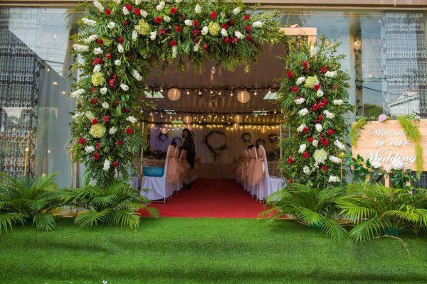 mẫu cổng hoa cưới