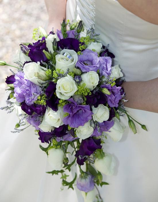 Bó hoa cưới cầm tay – Tím thủy chung